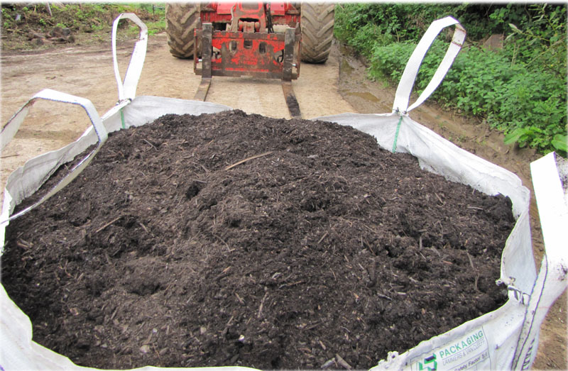 Plymouth topsoil suppliers dumpy bags of topsoil for only for Compost soil bags